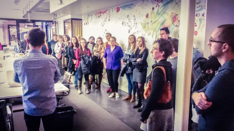Solopreneurs visit KNOCK 1 - The crowd gathers (Michelle Schulp)